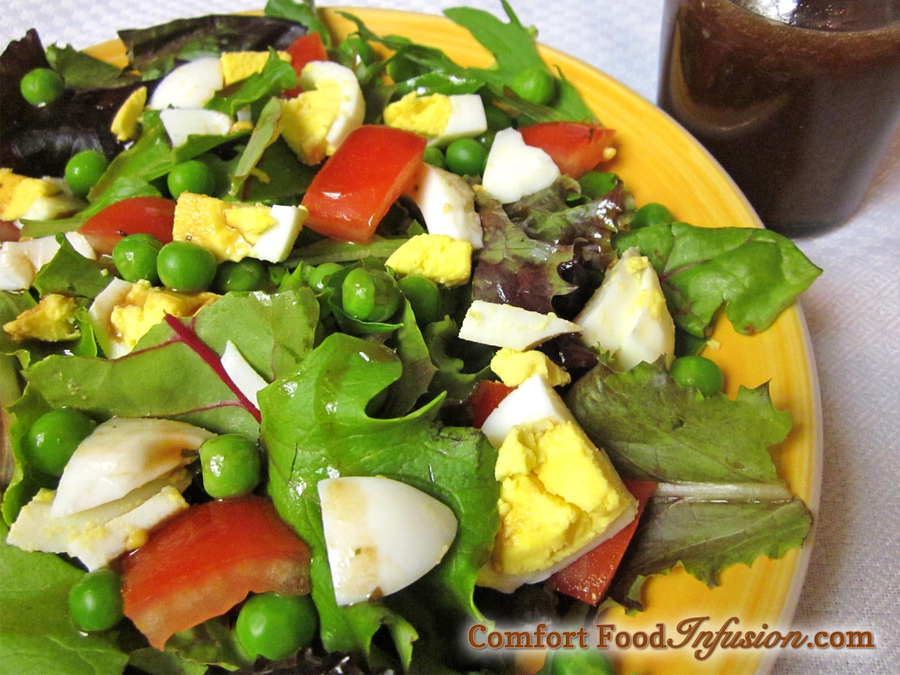 Mixed Greens and Egg Salad with Tarragon Vinaigrette